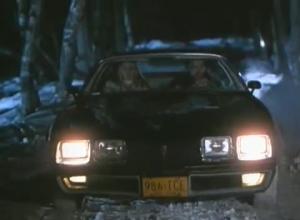 La Pontiac Trans Am 1979 dans le film n'a aucun gag rattaché ici. C'est juste la deuxième plus belle voiture au monde. Après la Pontiac Trans Am 1977.