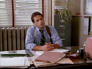 Je suis ton boss cliché de films de police. Pis je suis en tabarnak! Tu ne respectes aucune règle, comme ne pas toucher à mon ventilateur!