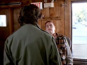 On dirait Jeanne d'Unité 9 qui veut crisser Lorenzo dehors du bar...
