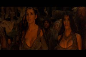 Les pitounes aux gros seins (en -3000?) mouillent!