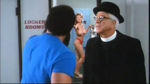 Prise de présence de gags qui ne se peuvent pu dans notre époque de moumounes soupe-au-lait offusquées: Nudité gratuite, check!