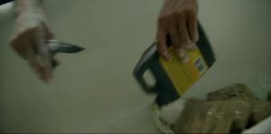 David Belle utilise du CLR pour détruire des poches de cocaïne. Je ne rappelle pas de ça dans la vieille pub de CLR...