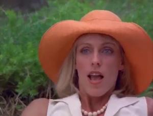 """""""Aucun sens!"""" (En passant la femme se révèle etre une méchante qui veut savoir l'emplacement du trésor. Pourquoi ne pas avoir laissé Hogan mourir pis voler sa carte???)"""