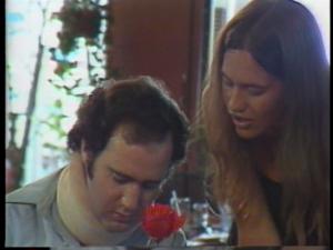 ...elle deviendra sa femme dans la vraie vie! C'est la première fois qu'il la rencontrait, et leur rencontre est sur caméra!