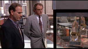 On a aussi droit à l'humoriste Larry Miller dans le rôle du patron désagréable de Charlie. C'est pas mal dans son carcan habituel.