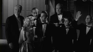 George obtient le beau rôle de Tor Johnson et heureux pour lui, il apparait à la 42e minute du film et part lui suite, sert à quelque chose dans pratiquement toutes les scènes du film à venir.