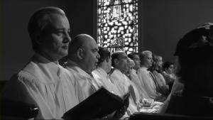 Pour obtenir du financement, les conditions ont été que toute l'équipe a dû se faire baptiser par l'Église.