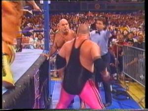 Bizarre rivalité entre Jim Neidhart et Animal Steele durant la bataille royale de Mania 4.