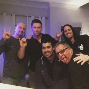 Sylvain Grenier (2e à partir de la gauche), Handsome JF (en haut à droite), entourés de leurs amis, Patrice Maltais (en haut à gauche), Éric Mastrocola et Marc Blondin  photo: Facebook de Jean-Frédéric Clément