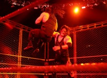 kane-cage-reigns-raw
