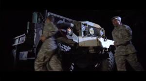Autre truc vraiment bizarre: Tous les camions de l'armée portent le numéro 69. Vraiment mature...