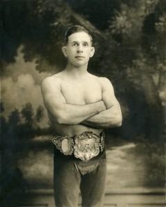 Eug;ène Tremblay, l'ancien chamion des poids légers