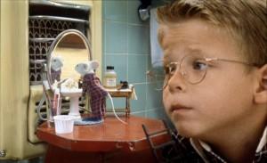 Et Ryan, tenez-vous bien, est joué par Jonathan Lipnicki, qu'on a vu en grandissant comme le ptit garçon mignon dans Le Petit Stuart. Mais vous allez L'HAÏR ici!