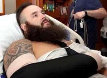 strowman-injured-696x392