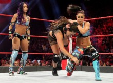 raw-banks-bayley-equipe