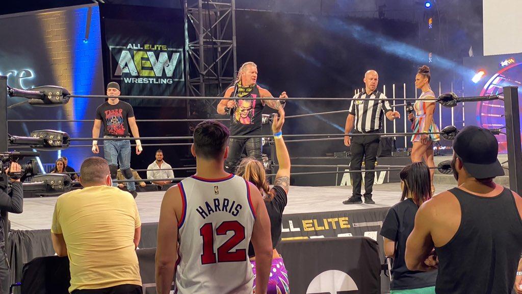 foule lutteurs AEW Dynamite