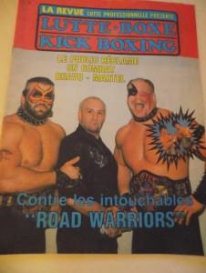 Les Road Warriors avaient fait la couverture du principal magazine de lutte de l'époque au Québec crédit: Linda et Élise Boucher