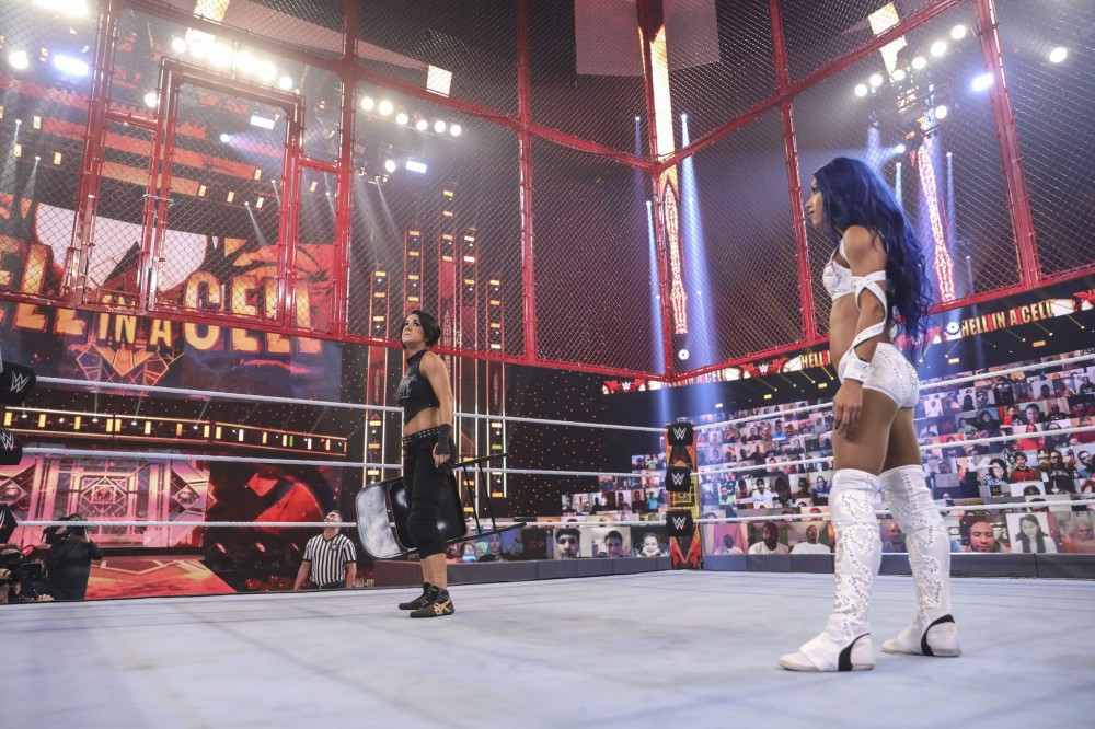 bayley-sasha-banks-hell-in-a-cell