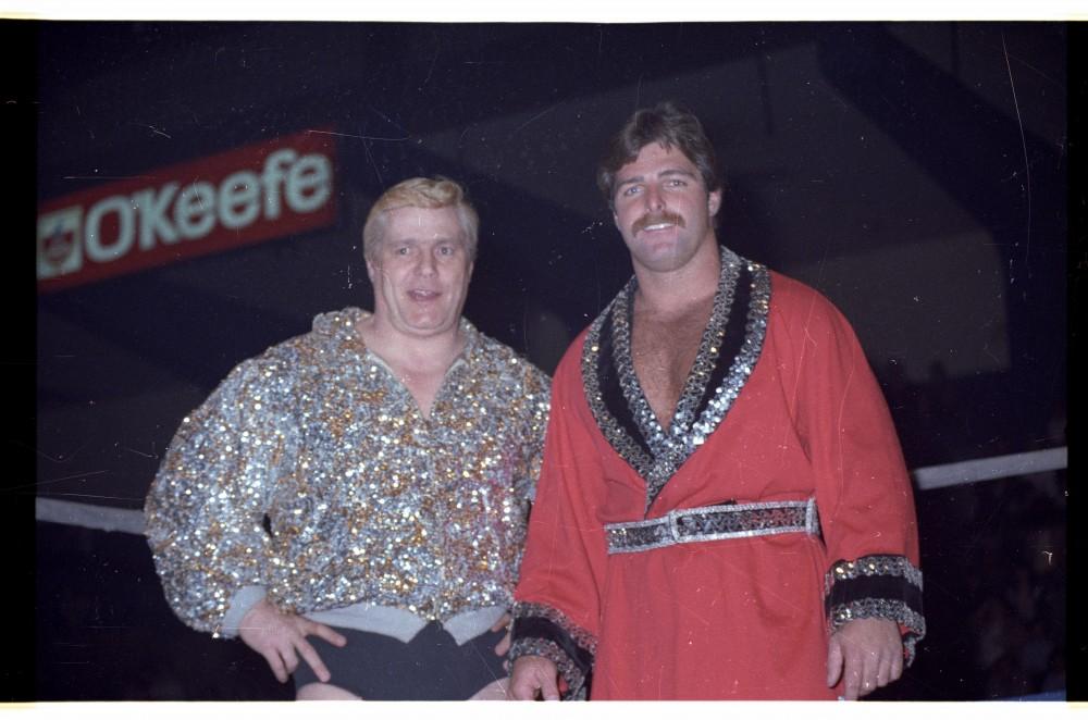 Pat et son plus grand rival au Québec, Raymond Rougeau crédit: Linda Boucher